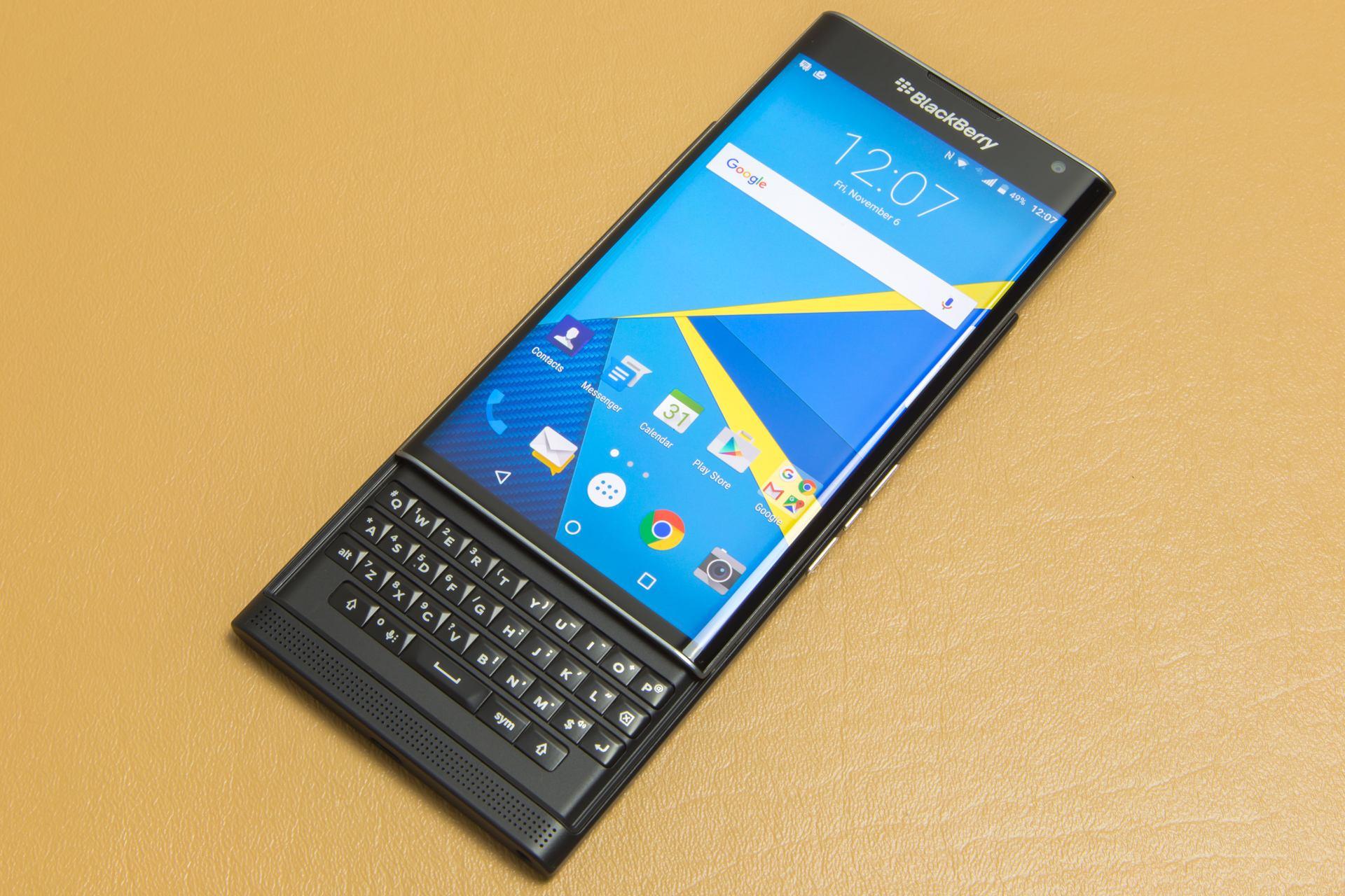 彻底放弃自家系统!黑莓竟要强攻高端手机市场