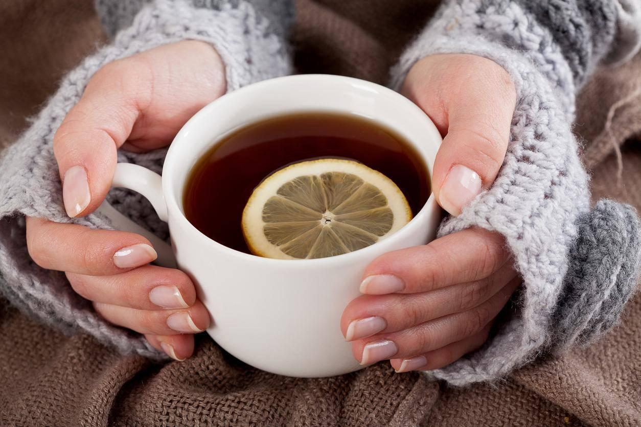 英国研究:食用果茶等酸性饮料食品易腐蚀牙齿