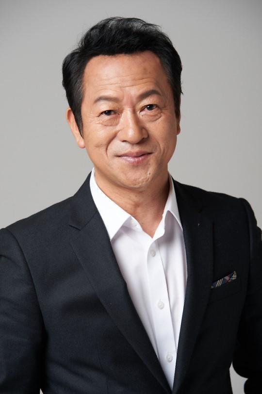 韩演员崔日和自曝曾性骚扰 曾搭档李弘基演剧