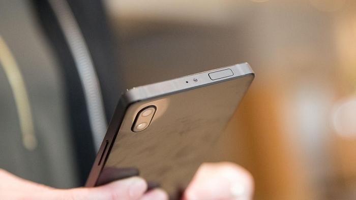 Vivo Apex概念手机惊艳亮相:8MP弹出式摄像头