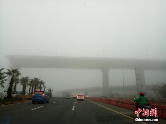 东北地区有较强降雪 江汉江南等地有中到大雨