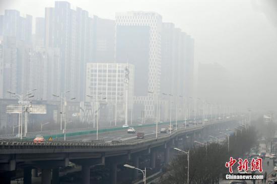 """澳门新濠天地网址:专家:京津冀、长三角地区PM2.5下降,八成靠""""人努力"""""""