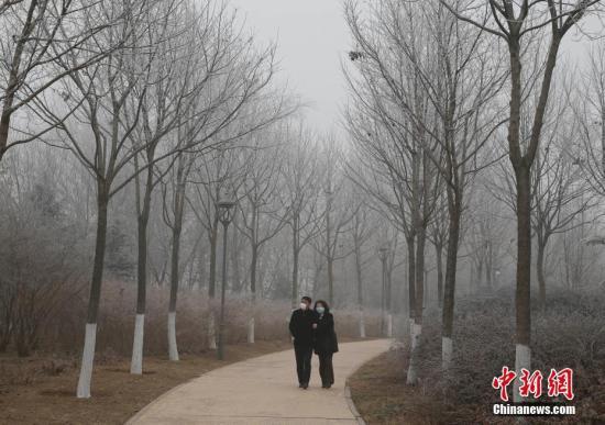 """北京发布空气重污染黄色预警 冷空气即将""""拨霾见日"""""""