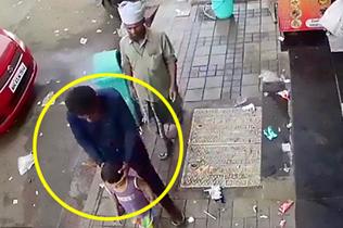 印度幼童在家长眼皮下被拐 嫌犯手法娴熟仿若无事