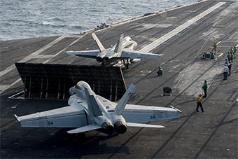 美军航母在南海活动频繁