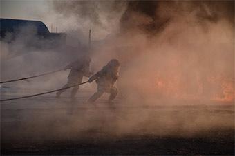 日本航空自卫队飞机救援消防演练火光冲天