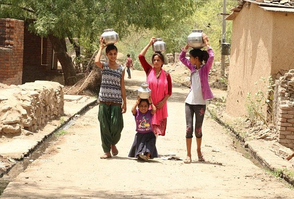 印女子患罕见侏儒症高0.8米 做好终身不嫁准备