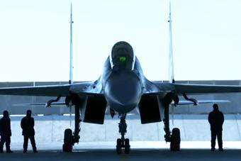歼-16官方宣传片来了!与歼-20四代机一同出镜