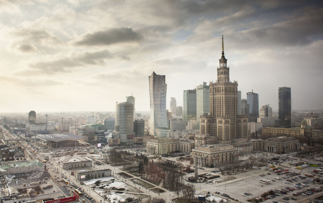 俯瞰波兰华沙城市风光 魔幻壮观似大片