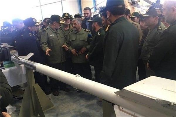 伊朗国产新型反坦克导弹亮相 射程10公里