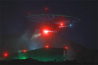 陆航部队直升机跨昼夜演练 仿佛科幻电影