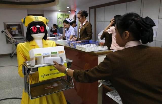 泰国医院引入中国造机器人护士 画风清奇