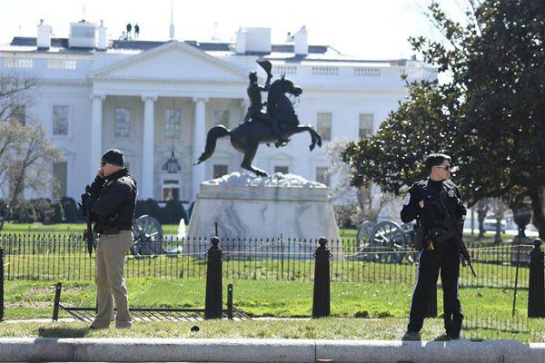 美国特勤局说一名男子在白宫附近开枪自伤