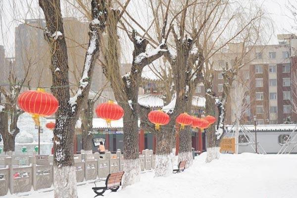 暴雪再袭吉林 交通出行均受阻