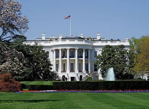 外媒:一人在白宫外开枪自残 白宫暂时关闭