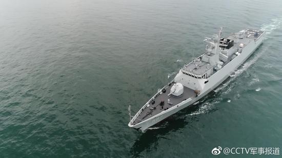 中国驻港部队海军首次与来港外军进行联合演练
