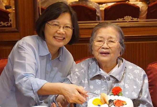 蔡英文母亲张金凤去世