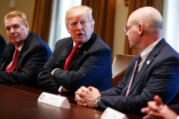 """特朗普称""""贸易战好打又易赢"""" 英媒列五大原因打脸"""