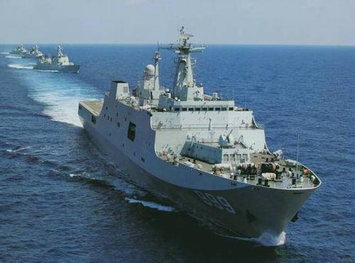 美媒:中国扩充两栖舰队 071型登陆舰批量服役