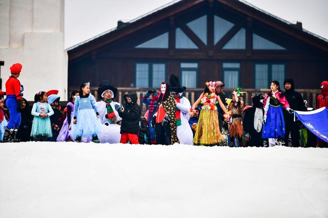 劲歌热舞开启南山春雪滑雪狂欢季