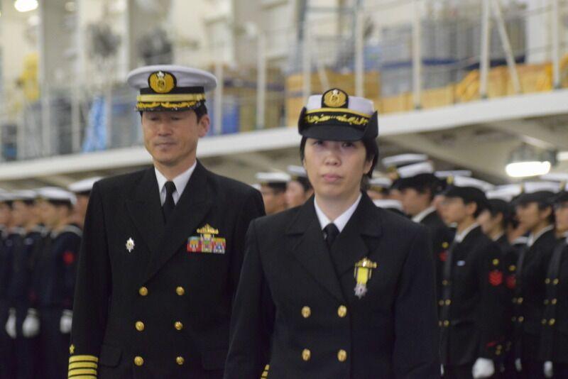 """日本海上自卫队首位女司令上任 将统帅日本最大舰艇""""出云""""号"""