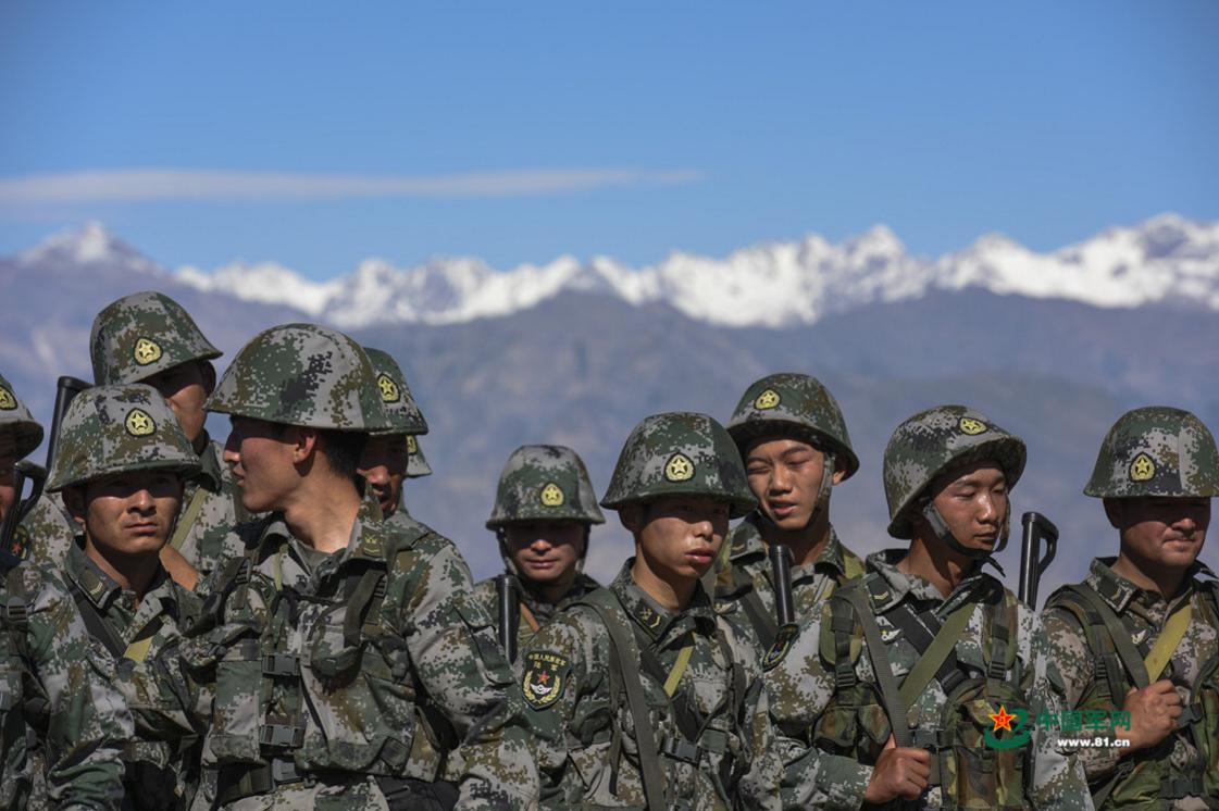 军报:必要护肤不是矫情 高原戈壁官兵需做好防护