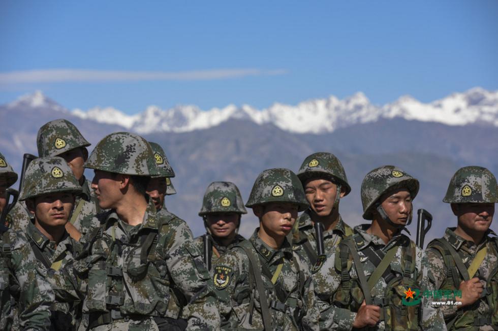 解放军报:必要的护肤不是矫情 高原戈壁官兵需做好防护