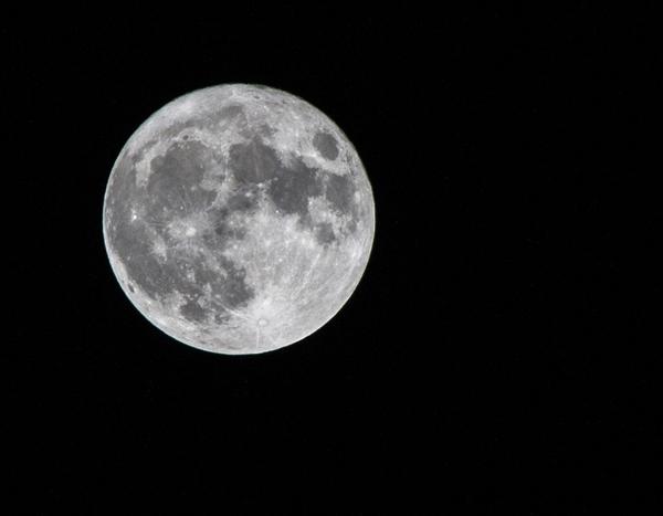 月球上有多少垃圾?