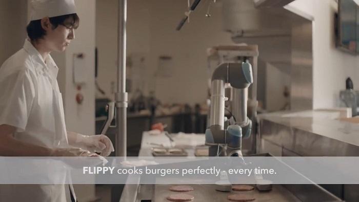 卡利堡迎来Flippy厨房机器人 精准掌控汉堡火候