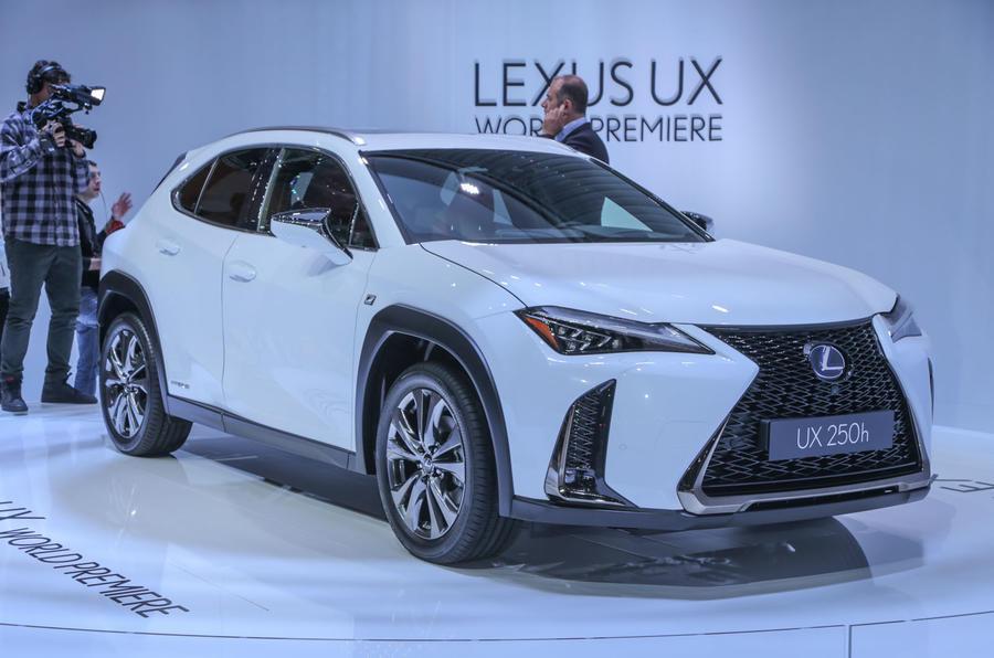 雷克萨斯UX量产车型亮相日内瓦 设计犀利