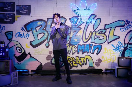 王嘉尔官宣运动品牌Icon 加盟蓝血帅气时尚
