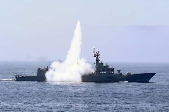 巴铁海空军举行海上实战演习 发射中国产导弹