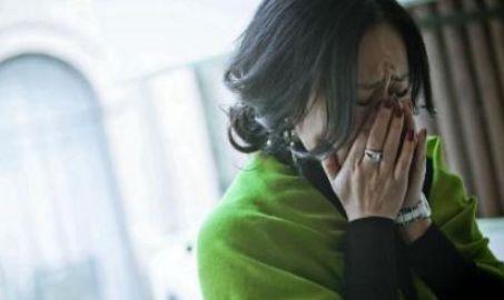 女子悄悄拿4万存款给妈妈做手术 老公让她受尽折磨