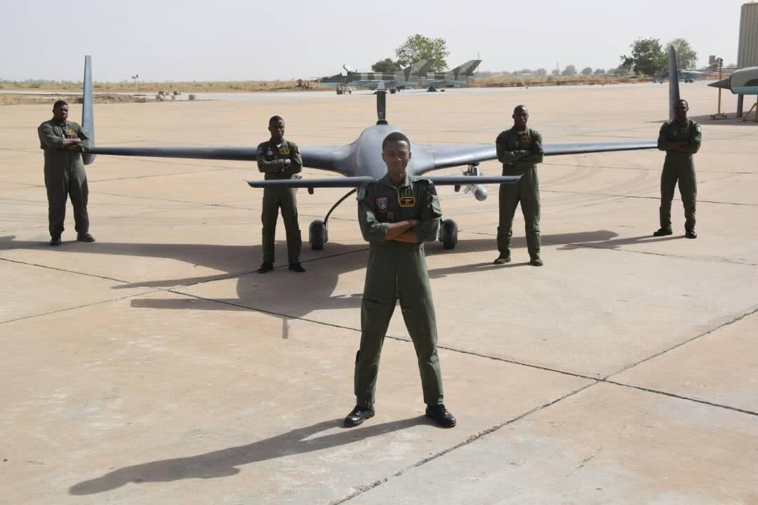 """尼日利亚空军大秀中国造 """"彩虹""""无人机"""