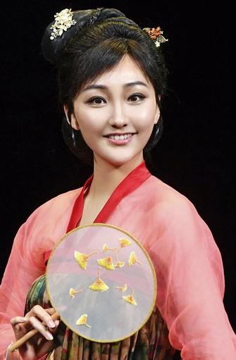 人艺话剧《关汉卿》向传统文化致敬 辛月