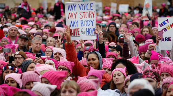 #MeToo打破沉默:女性离平等的世界还有多远
