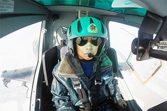 新疆军区直升机部队训练直10内部曝光