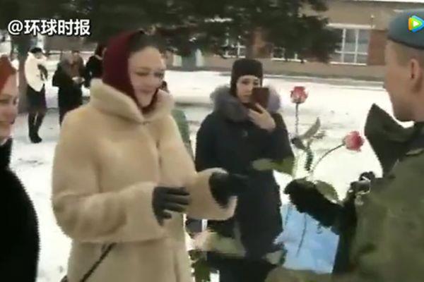 服!俄罗斯式的三八妇女节祝福