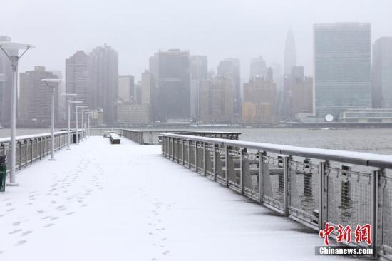 风暴一周两度袭击美东北 纽约三大机场近半航班取消