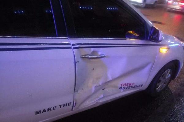 教练车怕被查扣 挂倒交警后逃窜连撞4车