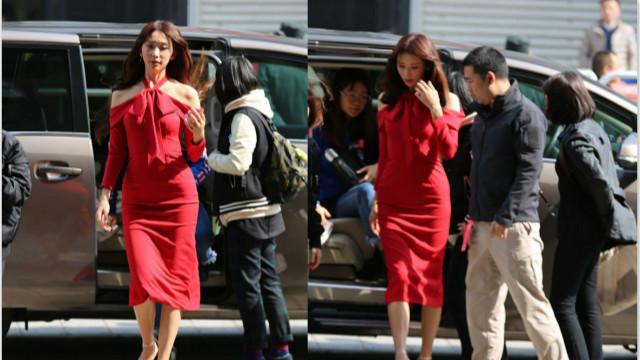 林志玲美艳红裙高挑动人 气质出众