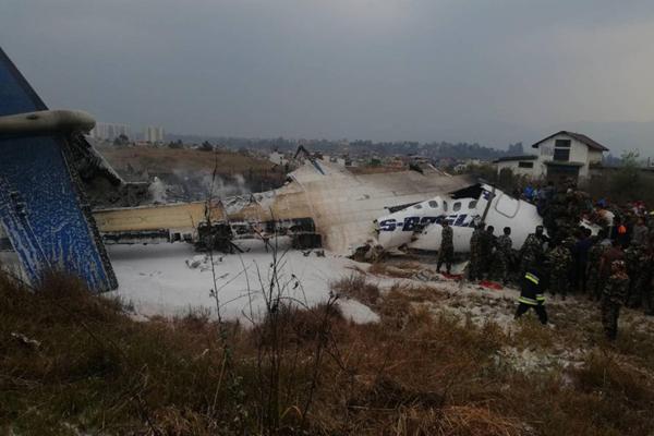 孟加拉客机尼泊尔坠毁 飞机残骸现场图曝光