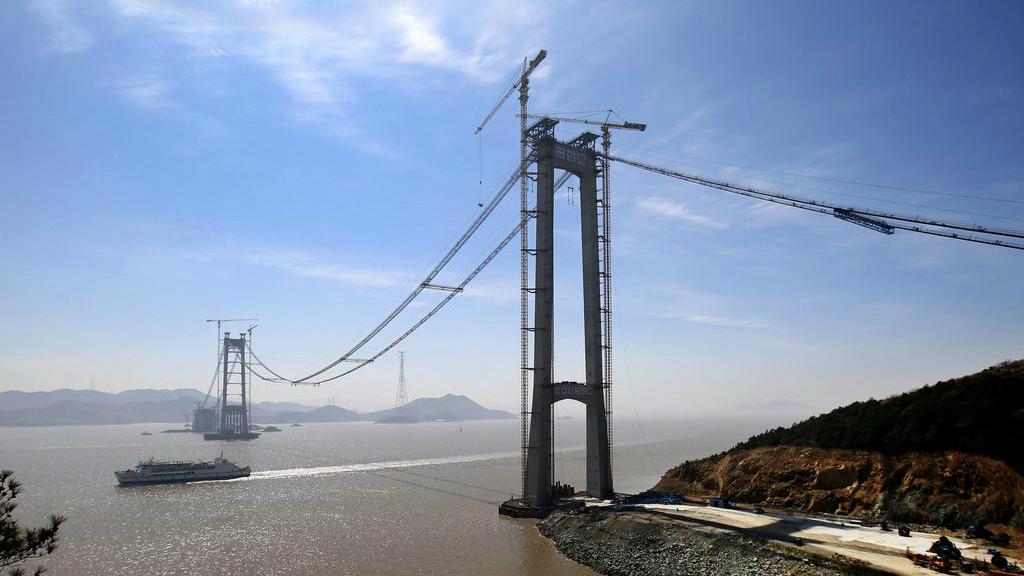 浙江舟山秀山大桥完成施工猫道架设