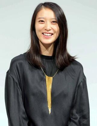 日本女星武井咲宣布顺利产下一女 未透露生产日期