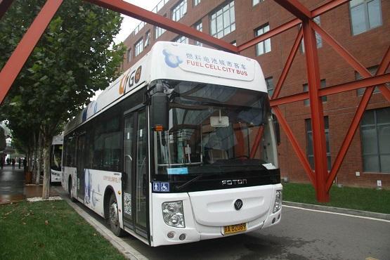 四川自主研发氢燃料客车下线 配套建有加氢站