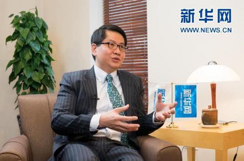 中国侨网在中国两会召开之际,新加坡驻华大使罗家良接受新华网专访。新华网发