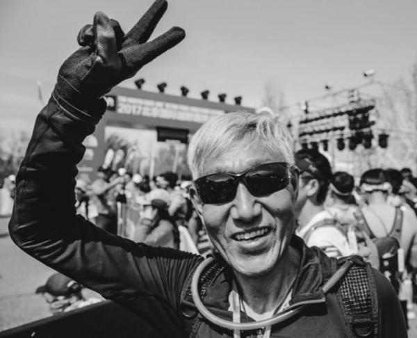 72岁传奇跑者张学利去世,古稀之年他战胜了100公里越野