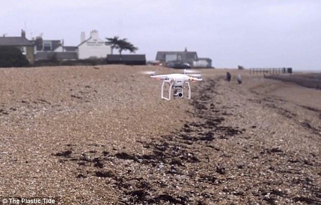 还有这功能 英国使用无人机辅助清理海滩垃圾