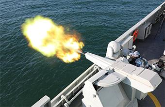 护卫舰舰炮开火场景震撼