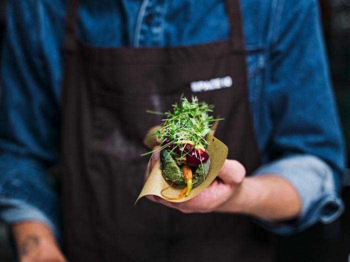 宜家打造未来派快餐:微藻热狗+昆虫肉球